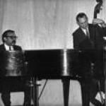 Purchase Vince Guaraldi Trio MP3